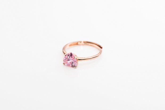 ring Pink zircon